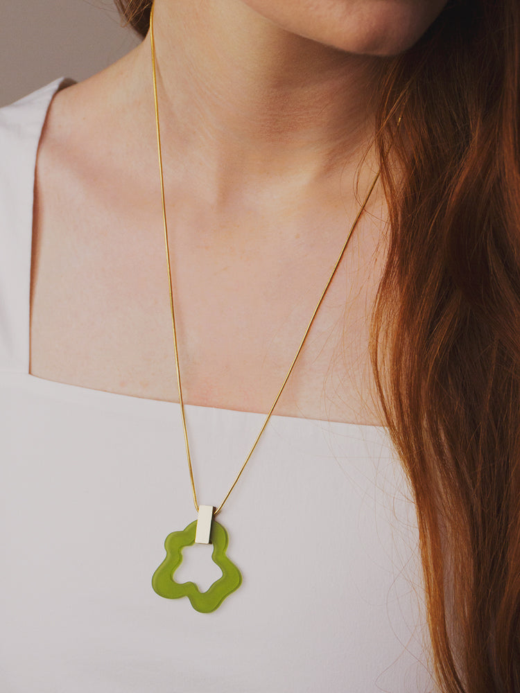 Wave Necklace in Olive