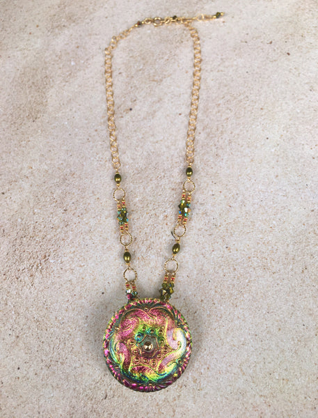 Peachy Green Swirl Pendant Necklace