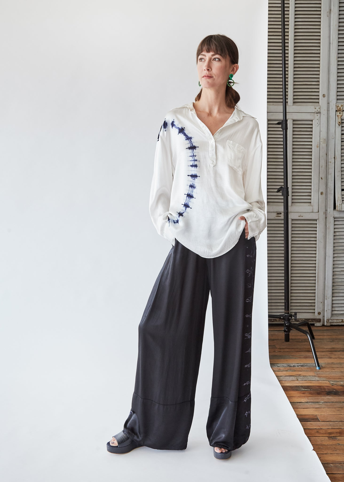 Wide Hem Pant in Black