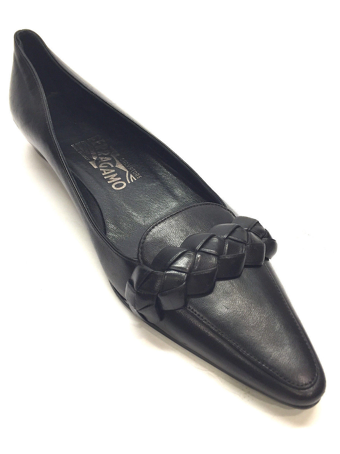 bisbiz.com FERRAGAMO   Black Leather Braided Accent Flat Loafer-Style Shoes Pumps Size: 7AA - Bis Luxury Resale