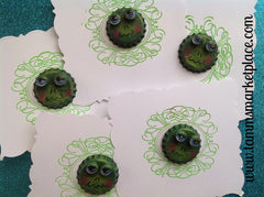 Hand Painted Bottle Top Frog Pin MKP023