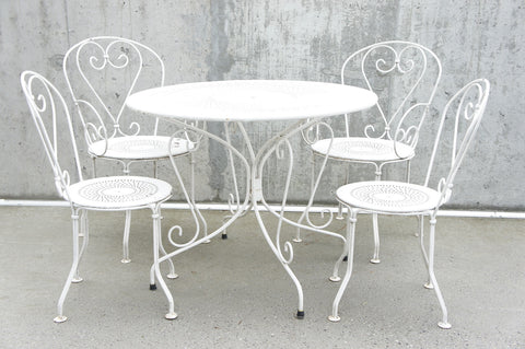 Set of 4 Metal Garden Chairs and Circular Table