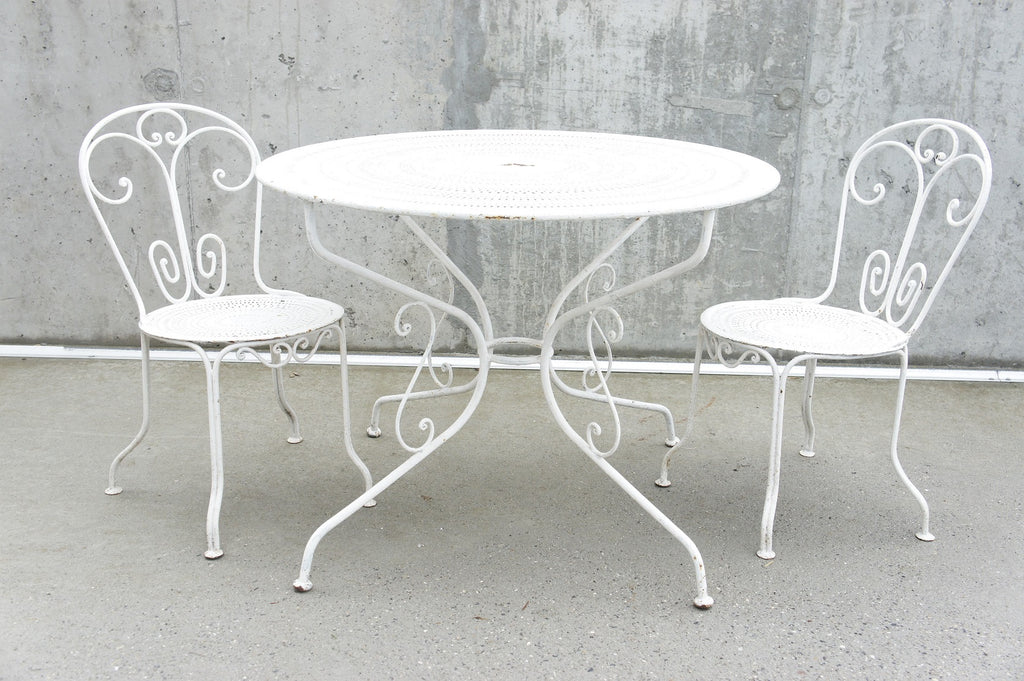 Set of 2 Metal Garden Chairs and Circular Table
