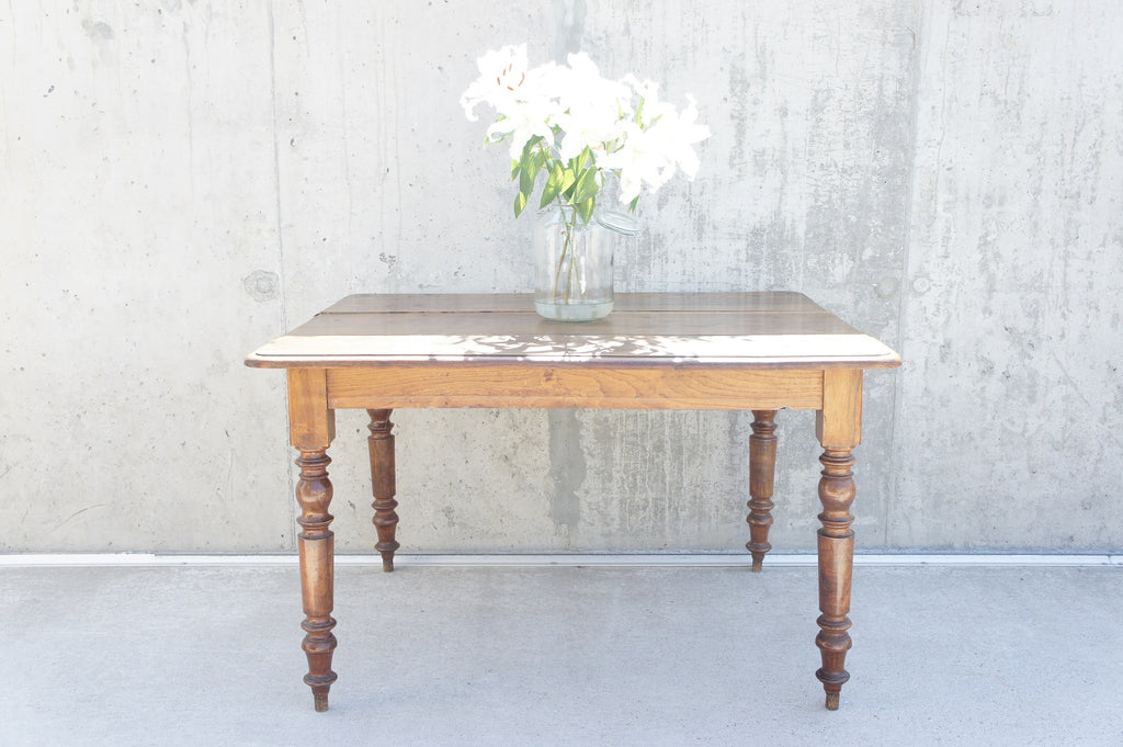 Square Bistro Table with Turned Legs