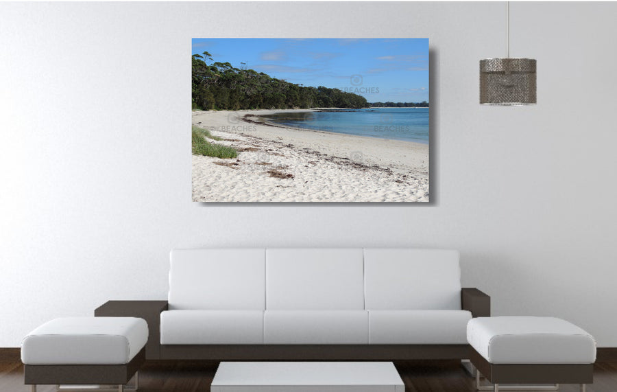 Photograph of a sunny day at Barfleur Beach in Jervis Bay on the south coast of NSW.