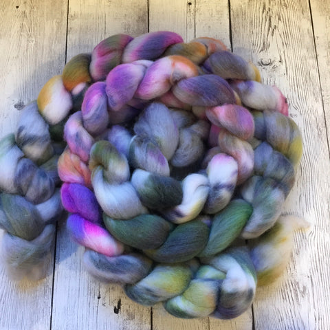 FOGGY MEADOWS - Polwarth Wool Top -  4.1 oz (1120)