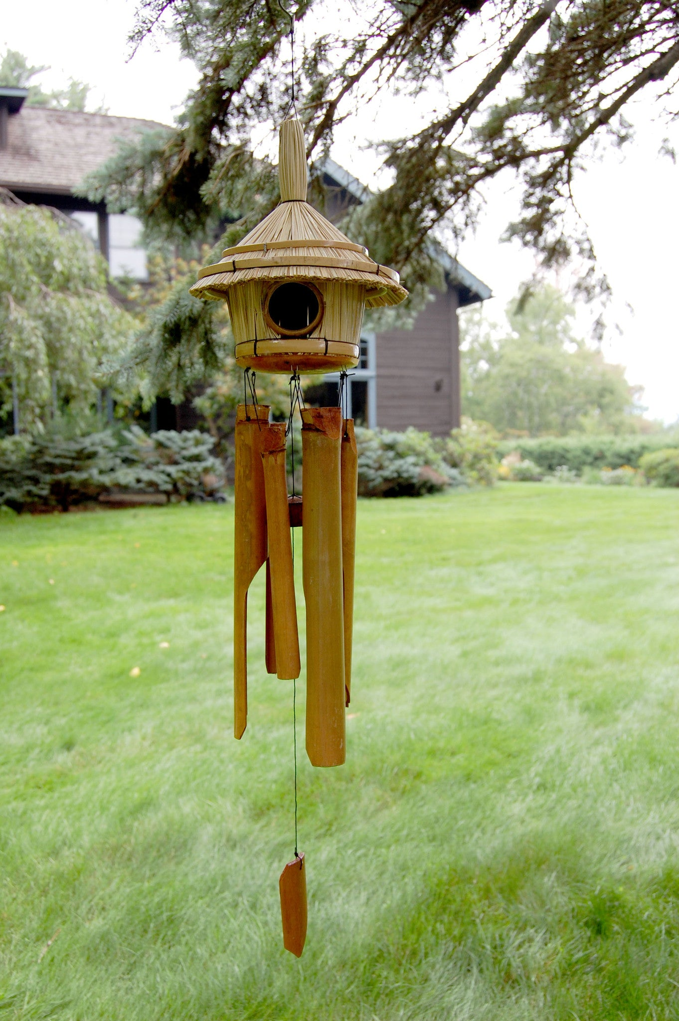 Woodstock Thatched Roof Birdhouse Bamboo Chime C707
