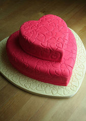 CSD5KG008 - Red Heart Cake