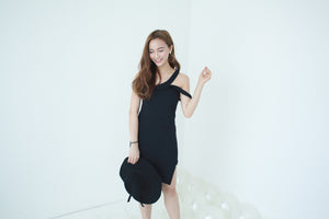 UQMADE TIBBY BLACK DRESS
