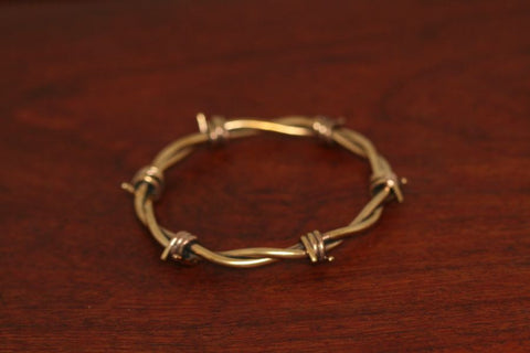 Barbed Bangle in Brass - Female - Medium