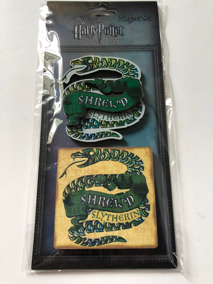 Universal Studios Harry Potter Slytherin Shrewd Wood Magnet Set New with Card