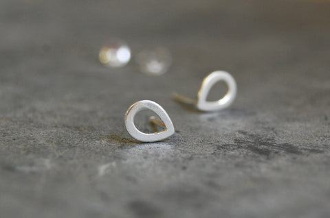 droplet shapes earstuds 925 silver