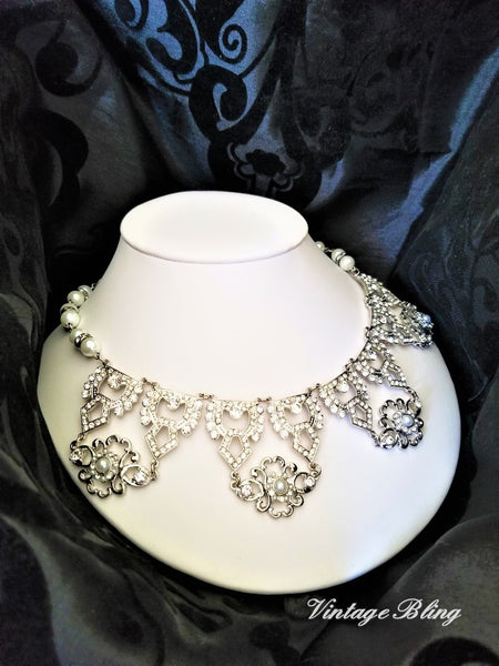 Striking Pearl and Rhinestone Necklace
