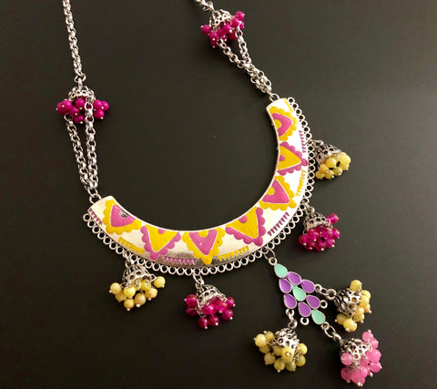 ethnic neckpiece in multi colors