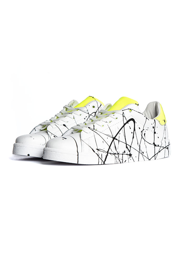 V2 SPLASHED SNEAKERS IN WHITE