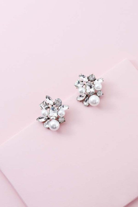Eye Candy Pearl Cluster Earrings - Beau&Arrow