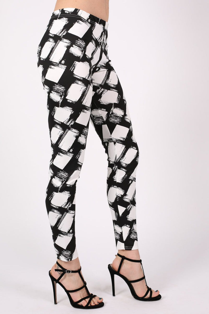 Abstract Check Print Leggings in Black MODEL SIDE