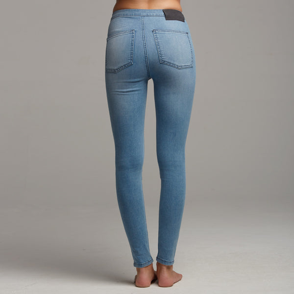 'JENI' PLAIN BLUE JEANS - CT054