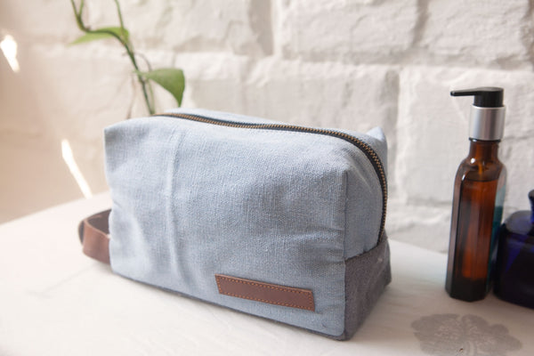 Toiletry Kit / Cloudy Sky