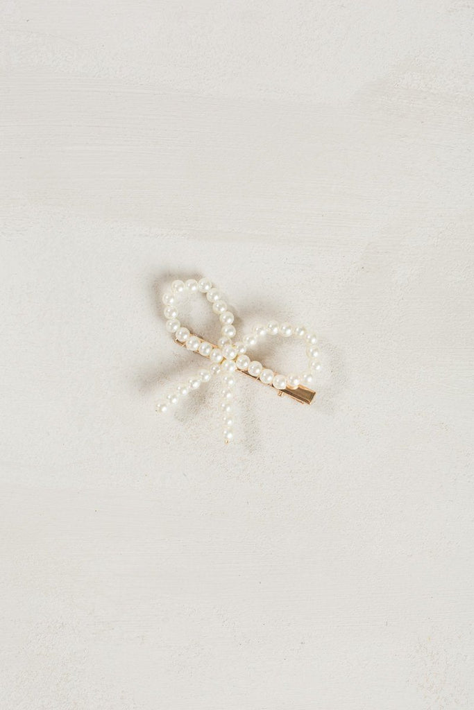 Claire Pearl Bow Hair Clip Hair Fame White/Gold