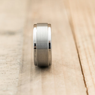 9mm Brushed Center Step Edge Tungsten Carbide Ring
