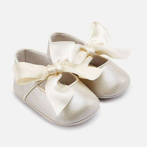Scarpe Soft Sole con Fiocco Panna | MAYORAL | RocketBaby.it