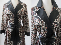 vintage 50's 60's pinup bombshell leopard print vanity fair robe kimono close up
