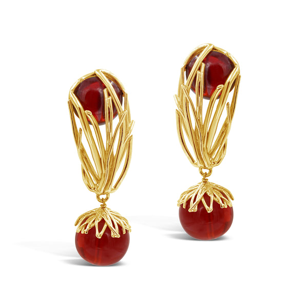 VINTAGE OLIVER LAPIDUS PARIS GOLD TONE WITH RED LUCITE PIECES EARRINGS CIRCA 1980'S