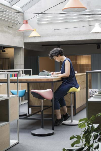 Varier Move ergonomic Active Stool from Fitneff Canada