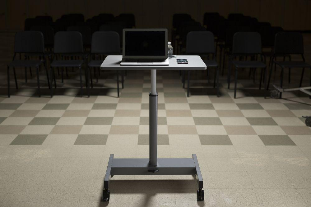 Luxor mobile Pneumatic Adjustable Desk for student presentation