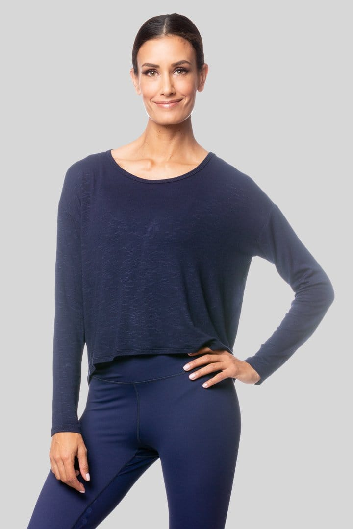 Alia L/S Twist Top, Navy | Vie Active