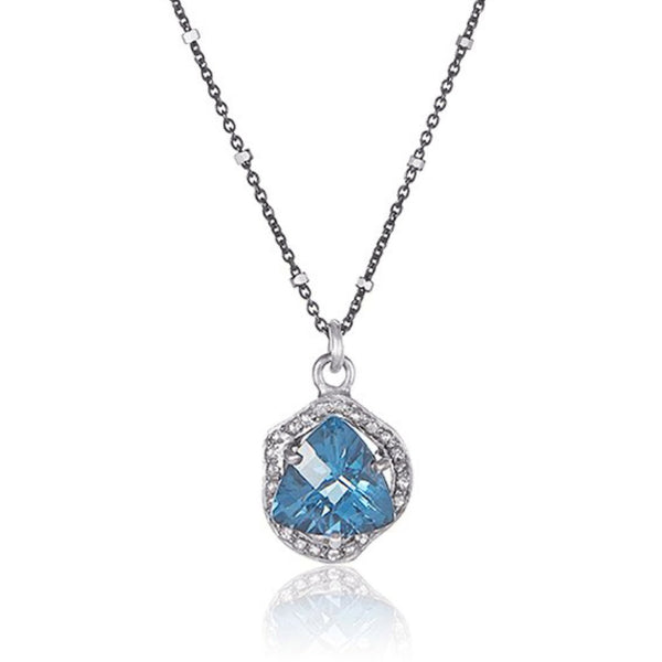 The heart of Arendelle Necklace