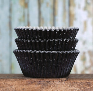 Foil Black Cupcake Liners | www.bakerspartyshop.com