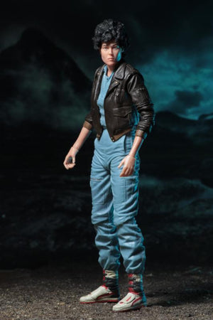 "Lt Ellen Ripley (Bomber Jacket) - Aliens 7"" Scale Action Figure Series 12"