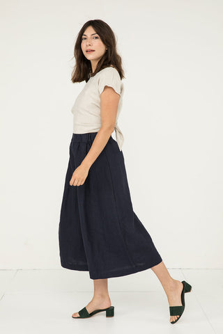 Andy Palazzo in Midweight Linen Navy - Molly-XS Short