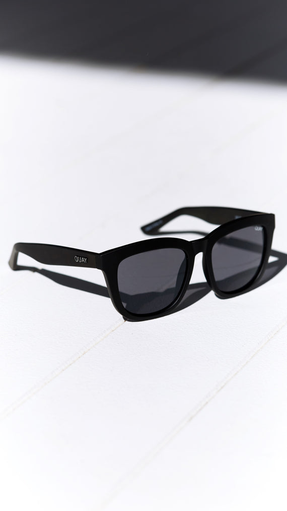 Quay - Zeus - Sunglasses - Black Smoke