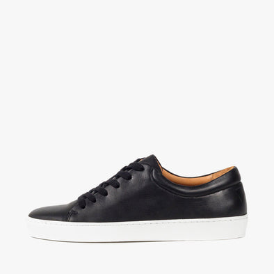 Lace-up sneakers in black leather with white rubber sole