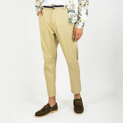 Khaki refular fit trousers featuring a double colored belt with silver details.