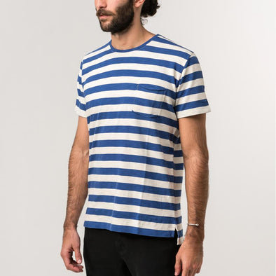 Navy blue and white striped tee with natural lines of 'flamê' knit fabric.