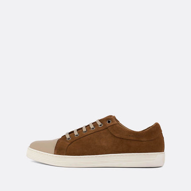 Casual sneakers in brown suede with taupe leather front.