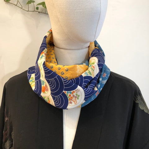 Snood blue wave and yellow shibori