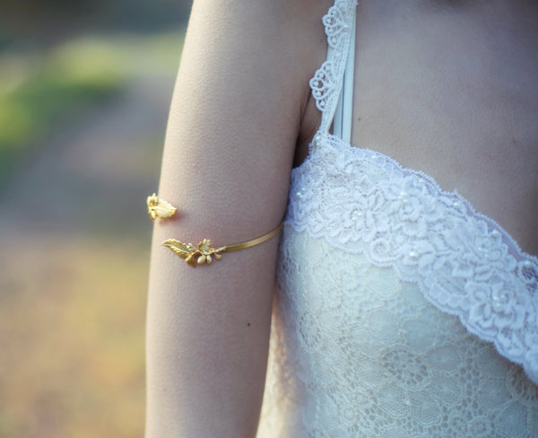 Pine Cones Arm Band