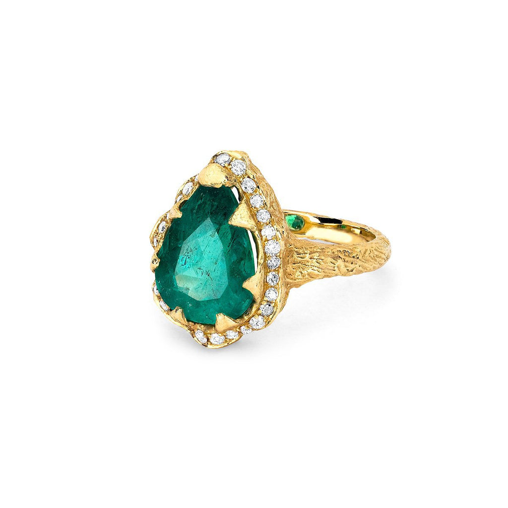Premium Water Drop Colombian Emerald Queen Ring with Full Pavé Halo Premium Water Drop Colombian Emerald Queen Ring with Full Pavé Halo