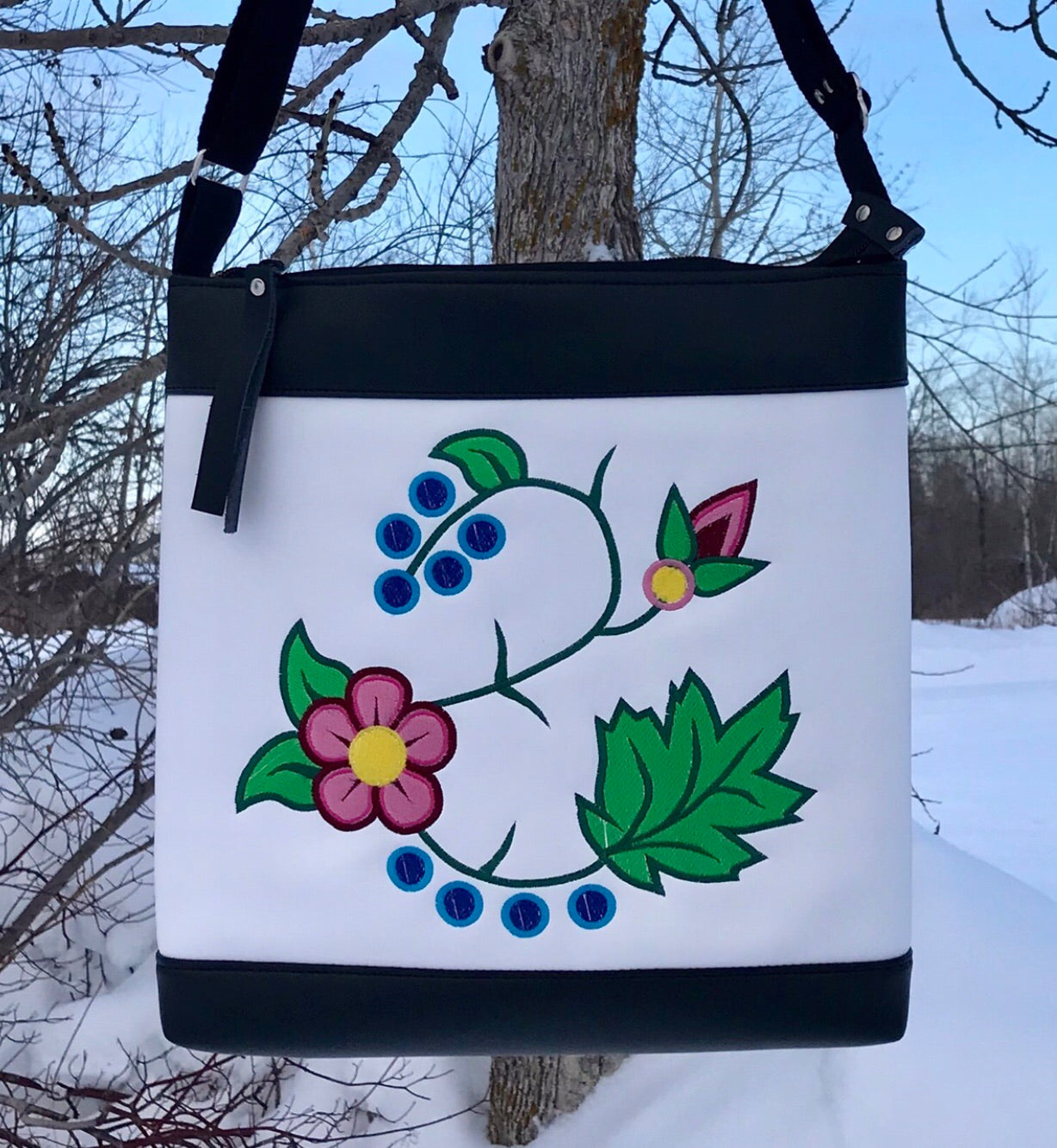 Cross Body - 'Awatchi's Gashkibitaagan'