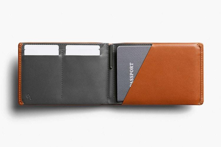 Bellroy Travel Wallet RFID, karamel