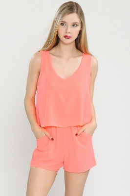 SOLID SLEEVELSS ROMPER WITH POCKETS
