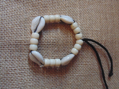 Bracelet with Beads & Shells ( 2 different Colours Available)
