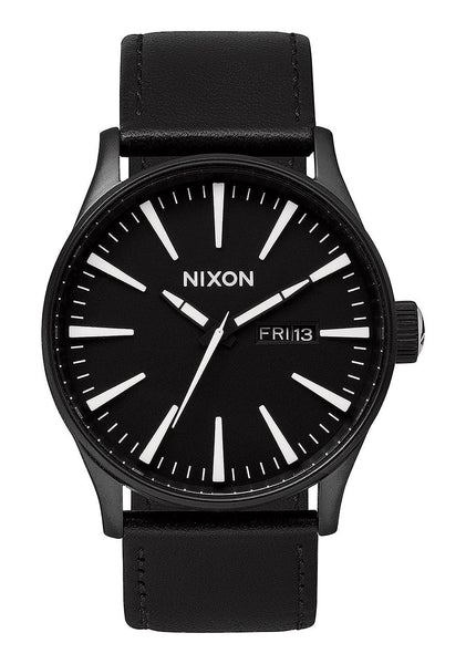SENTRY LEATHER 42MM BLACK/WHITE - COSMOTOG