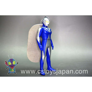 CSTOYS INTERNATIONAL:Ultra Hero Series 16 Ultraman Cosmos (Luna Mode)