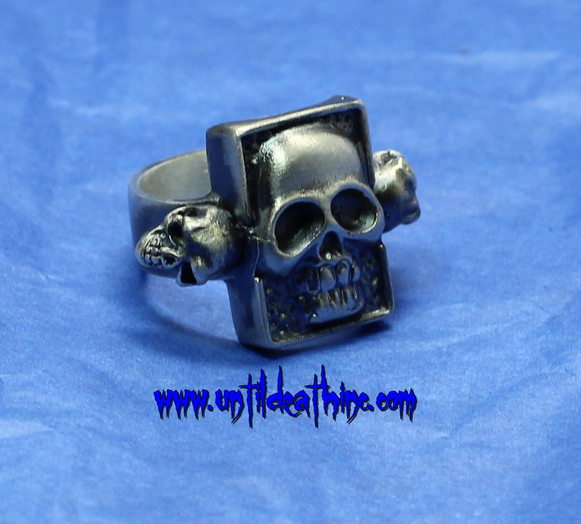 Pez Monster Skull Ring With skull accents 925 Sterling Silver Ring
